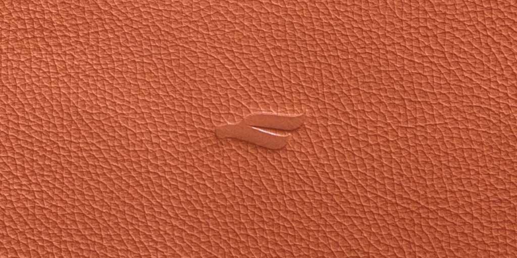 В Украине начали производить элитные кожаные чехлы для MacBook
