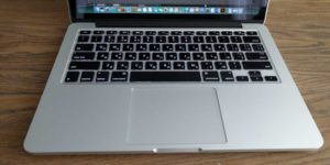 чехол на Macbook вирус на Мак
